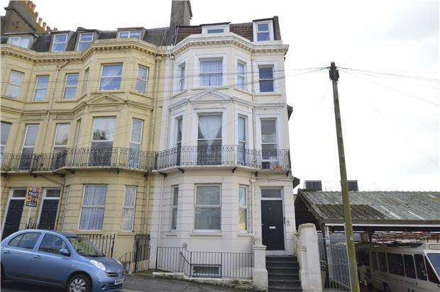 2 Bedrooms Flat for sale in St. Margarets Road, TN37 6EH