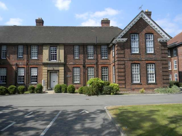 2 Bedrooms Apartment Flat for rent in Pickering Court, Hessle High Road, Hull, East Yorkshire, HU4 6SA