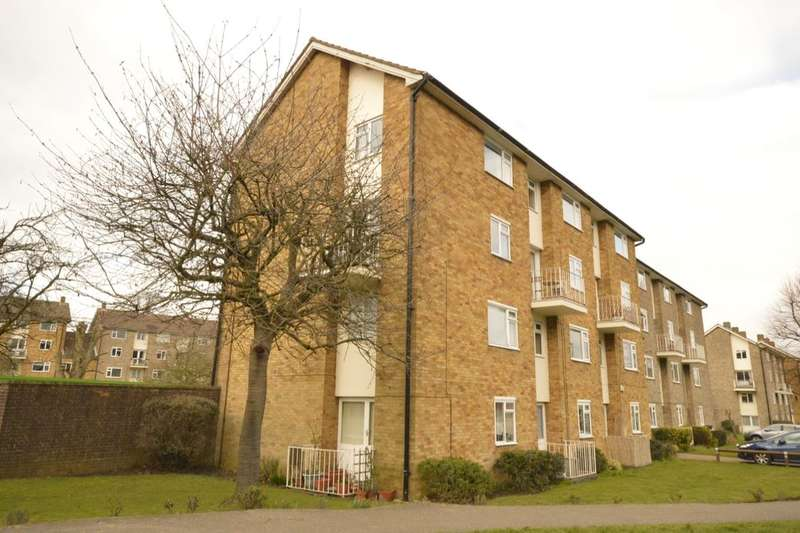 2 Bedrooms Flat for sale in The Ridgeway, St. Albans, AL4