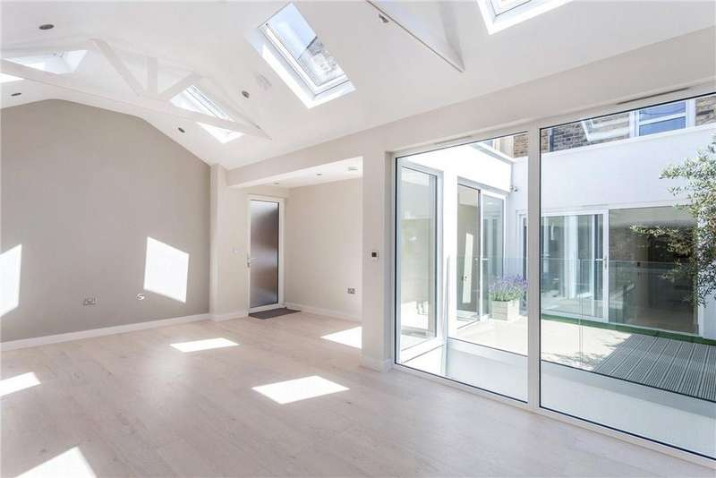 3 Bedrooms Flat for sale in The Broadway, London, SW13