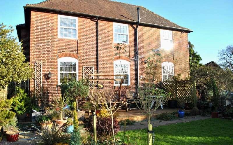 6 Bedrooms Detached House for rent in Church Road, Potters Bar EN6