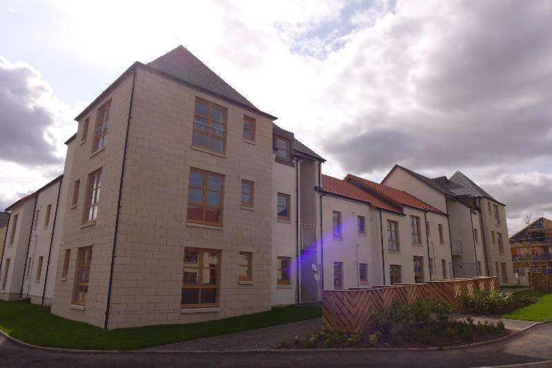 2 Bedrooms Flat for rent in Dorward Drive, Crail, Fife, KY10 3WJ