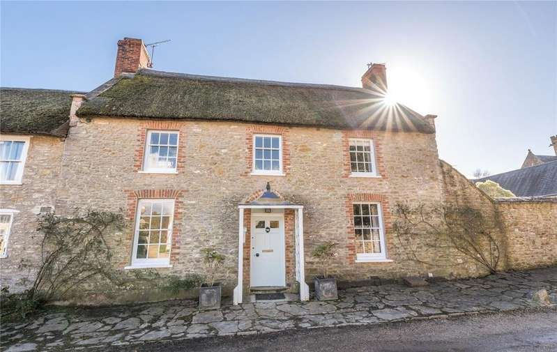 3 Bedrooms House for sale in Church Street, Burton Bradstock, Bridport, Dorset