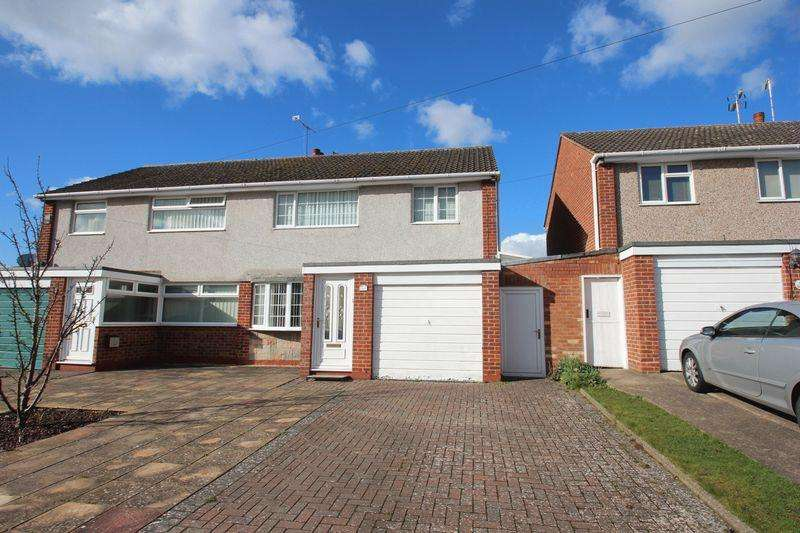 3 Bedrooms Semi Detached House for sale in Augustine Avenue, Studley