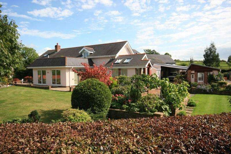 5 Bedrooms Country House Character Property for sale in Trallwyn, Llansanffraid Glan Conwy