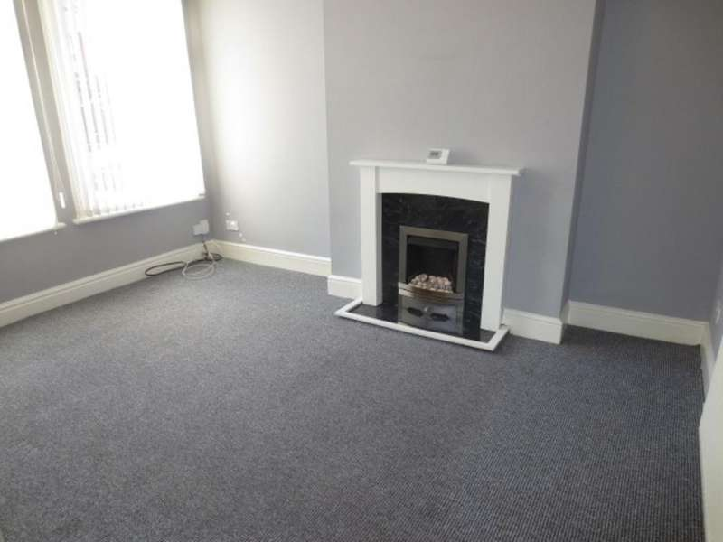 3 Bedrooms Terraced House for sale in Graham Road, Salford