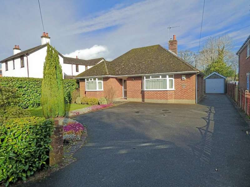 3 Bedrooms Detached Bungalow for sale in Springdale Road, Corfe Mullen