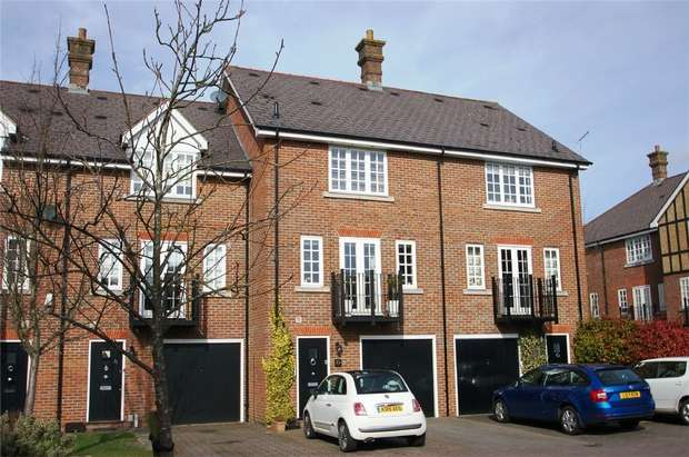 4 Bedrooms Town House for sale in Chime Square, St Albans, Hertfordshire