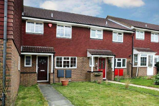 3 Bedrooms Terraced House for sale in Durand Road, Earley, Reading