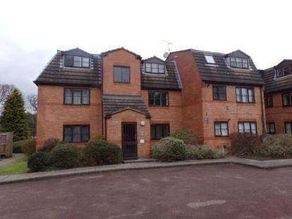 1 Bedroom Flat for sale in Gladbeck Way, Enfield, London