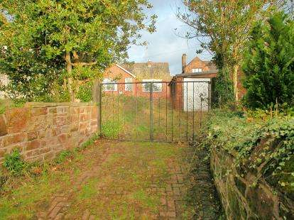 3 Bedrooms Bungalow for sale in Church Lane, Neston, Cheshire, CH64