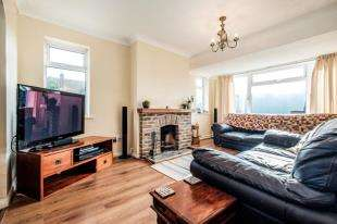 4 Bedrooms Bungalow for sale in Denton Rise, Denton, Newhaven, East Sussex