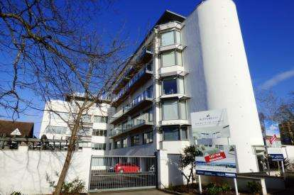 2 Bedrooms Flat for sale in Poole Town Centre, Poole, Dorset