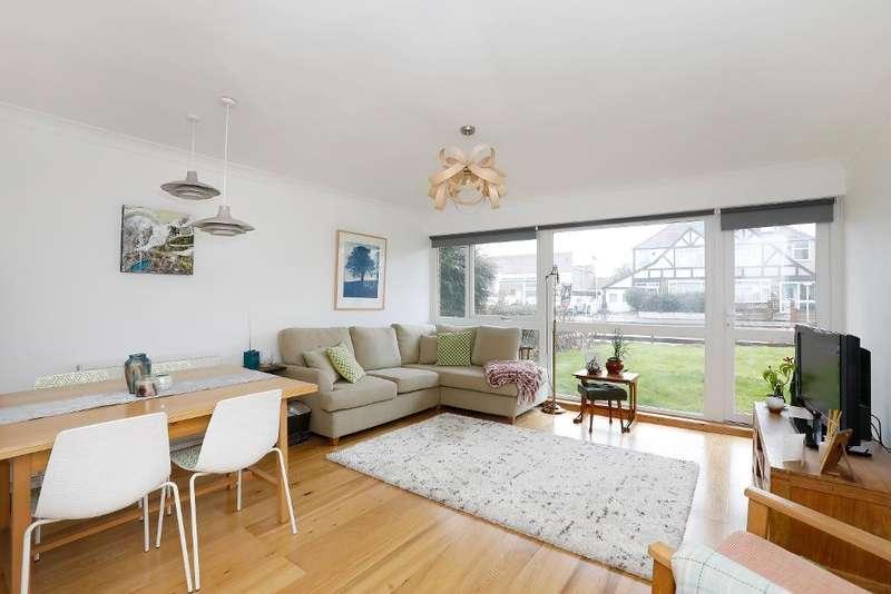2 Bedrooms Flat for sale in Croydon Road, Beckenham, Kent, BR3 4DA
