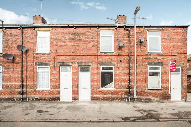 2 Bedrooms Terraced House for rent in Hardwick Road, Featherstone, Pontefract, WF7