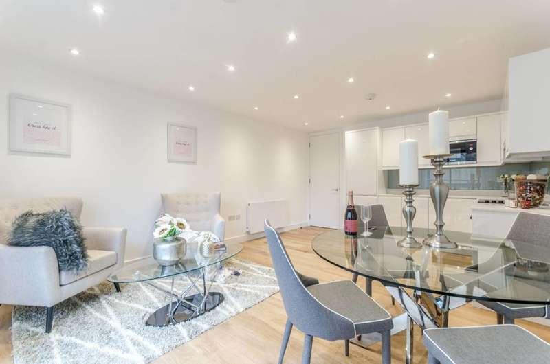 2 Bedrooms Flat for sale in Peerless Street, Old Street, EC1V