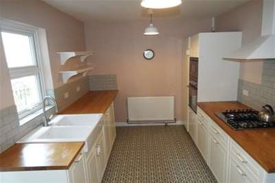 3 Bedrooms Property for rent in Hectorage Road, South Tonbridge