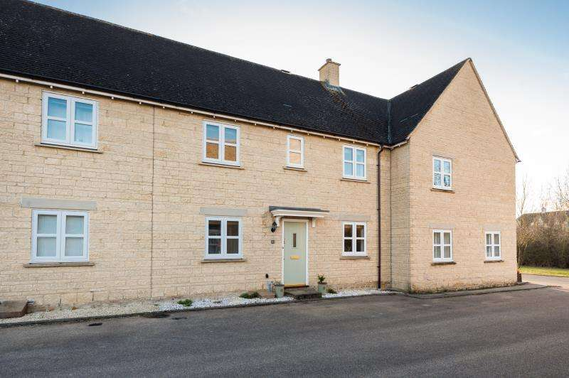 3 Bedrooms Terraced House for sale in Birch Grove, Witney, Oxfordshire