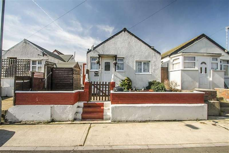 2 Bedrooms Detached Bungalow for sale in Humber Avenue, Jaywick