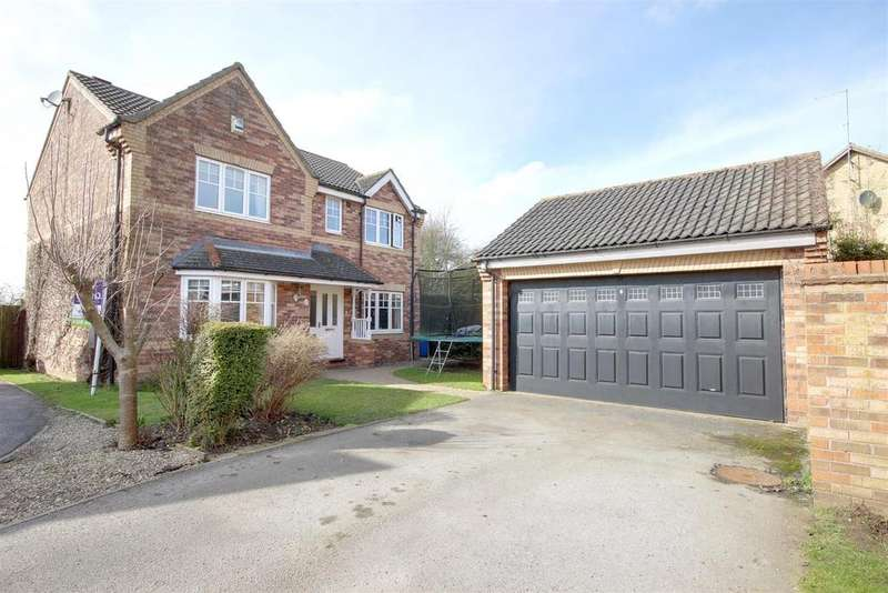 4 Bedrooms Detached House for sale in Vicarage Walk, North Cave,