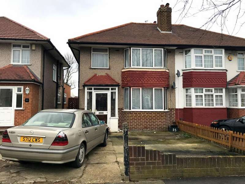 3 Bedrooms House for rent in Daryngton Drive, Greenford