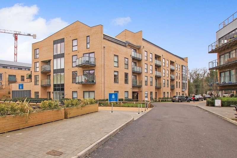 2 Bedrooms Ground Flat for rent in Evans House, The Embankment, Hemel Hempstead HP3