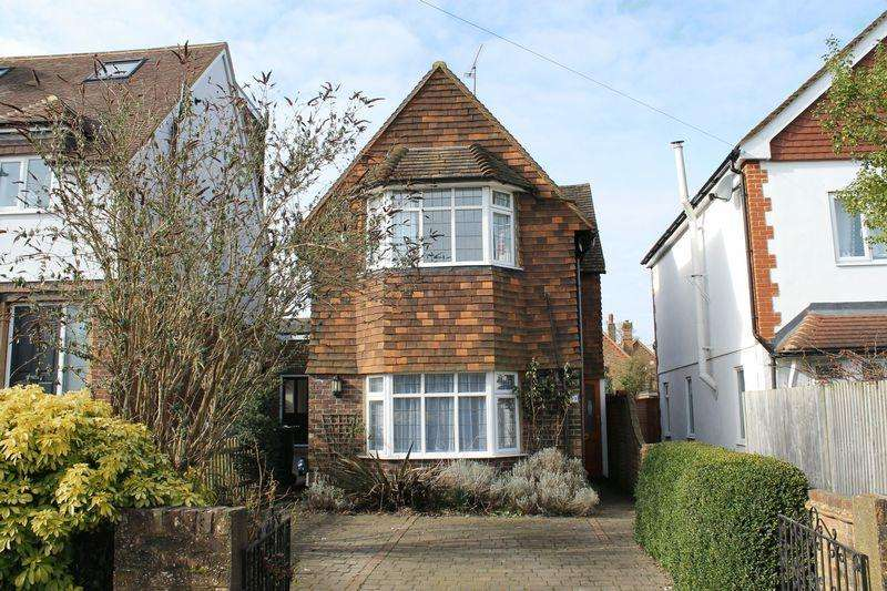3 Bedrooms Detached House for sale in Merrow, Guildford
