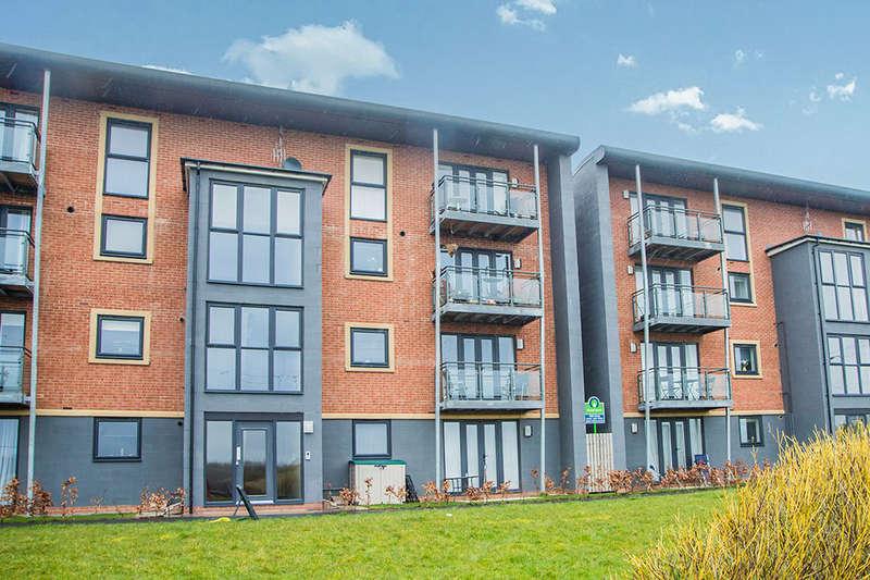 2 Bedrooms Flat for sale in Elmwood Park Court, Newcastle Upon Tyne, NE13