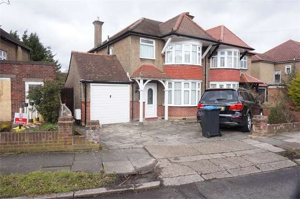 3 Bedrooms Semi Detached House for sale in Derwent Gardens, Wembley, Middlesex