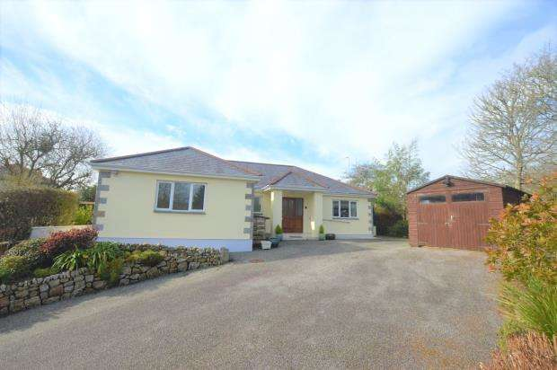 4 Bedrooms Detached Bungalow for sale in Lowertown, Helston, Cornwall