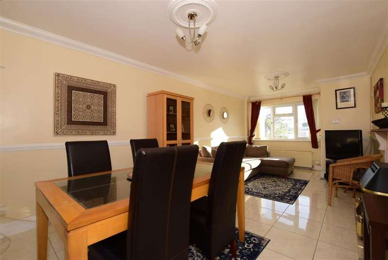3 Bedrooms Terraced House for sale in Cattawade End, , Basildon, Essex