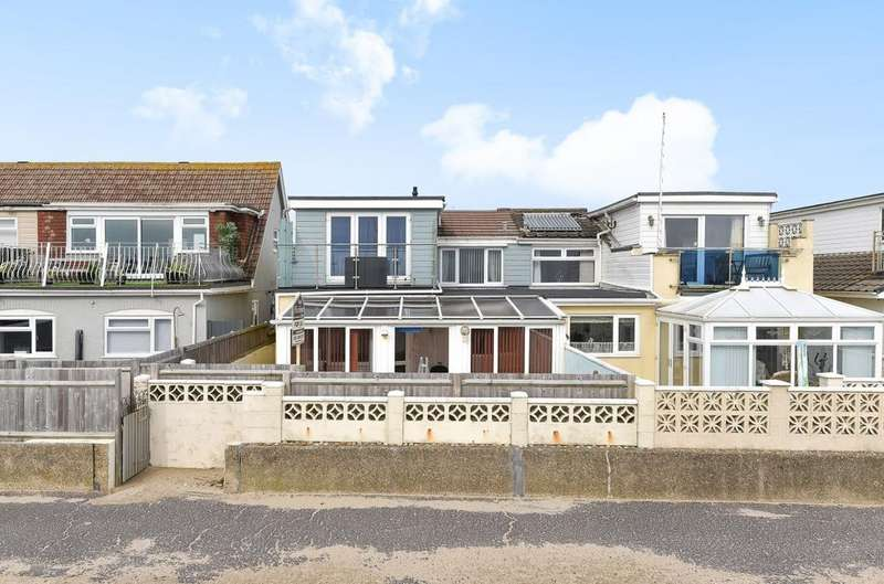 3 Bedrooms Semi Detached House for sale in Southwood Road, Hayling Island, PO11
