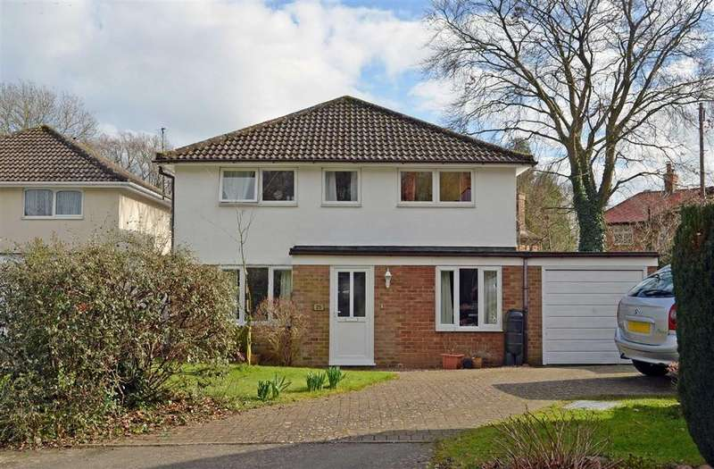 4 Bedrooms Detached House for sale in Gloucester Close, Weedon