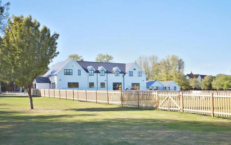 5 Bedrooms Detached House for sale in Station Road, Cold Norton