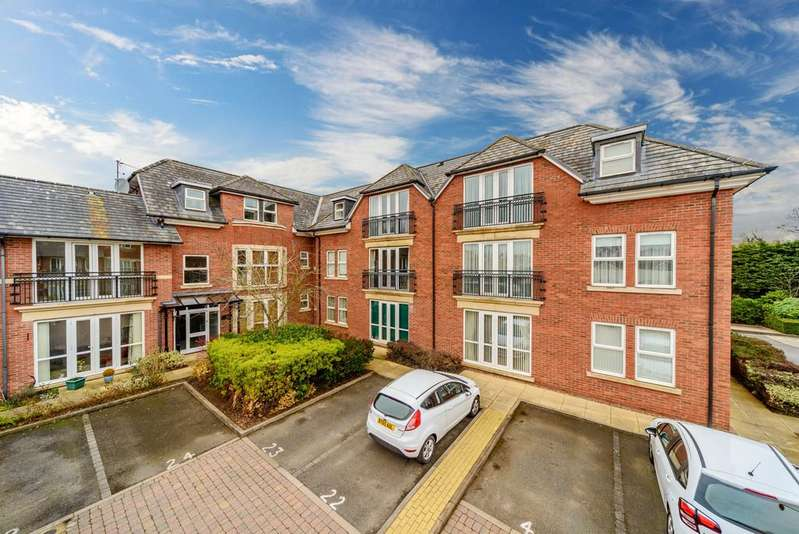 2 Bedrooms Apartment Flat for sale in Clinton House, Grafton Close