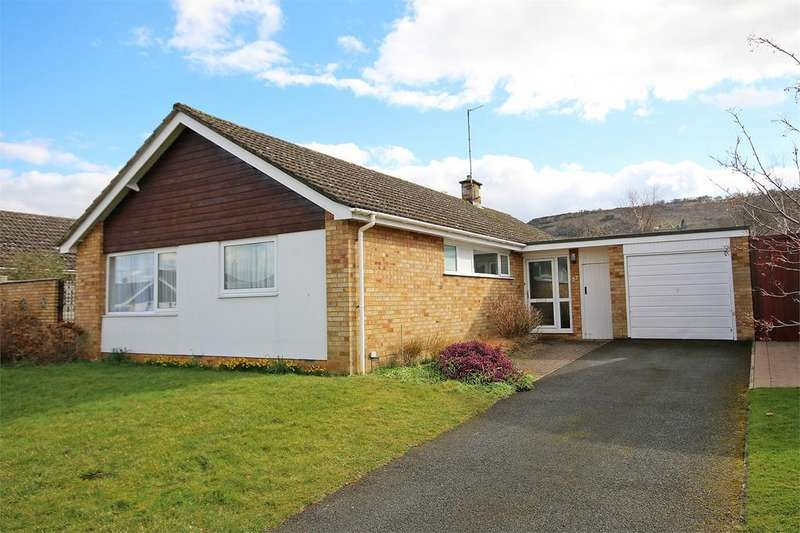 4 Bedrooms Detached Bungalow for sale in Leckhampton, Cheltenham