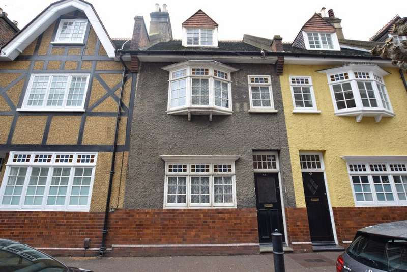 3 Bedrooms Terraced House for sale in Old Woolwich Road London SE10