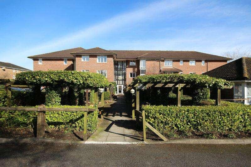 1 Bedroom Retirement Property for sale in Clover Court, Haywards Heath