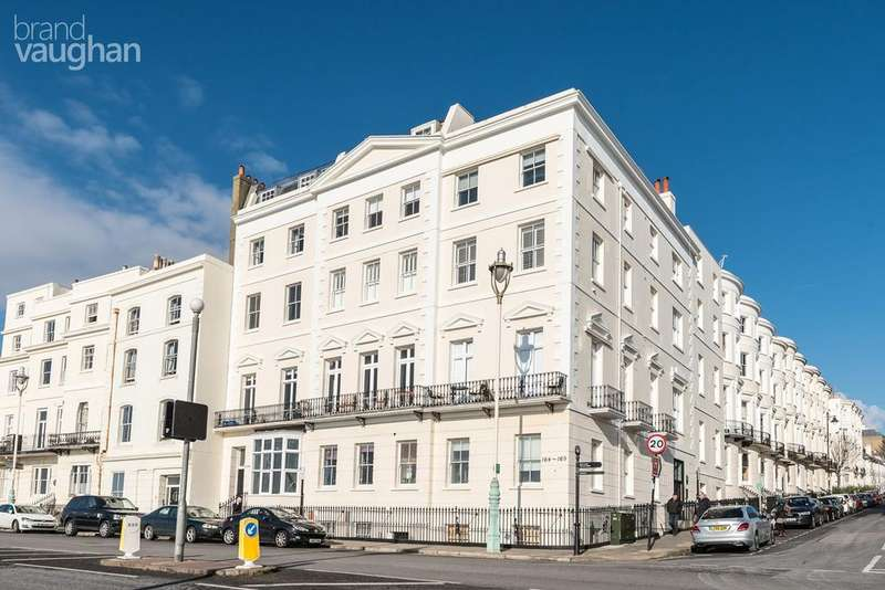 2 Bedrooms Apartment Flat for sale in Marine Parade , Brighton, BN2