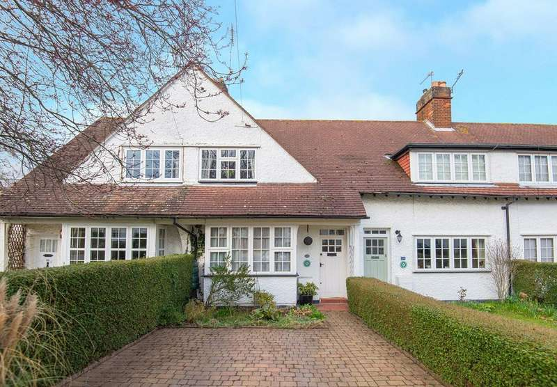 3 Bedrooms Cottage House for sale in Pixmore Way, Letchworth Garden City, SG6