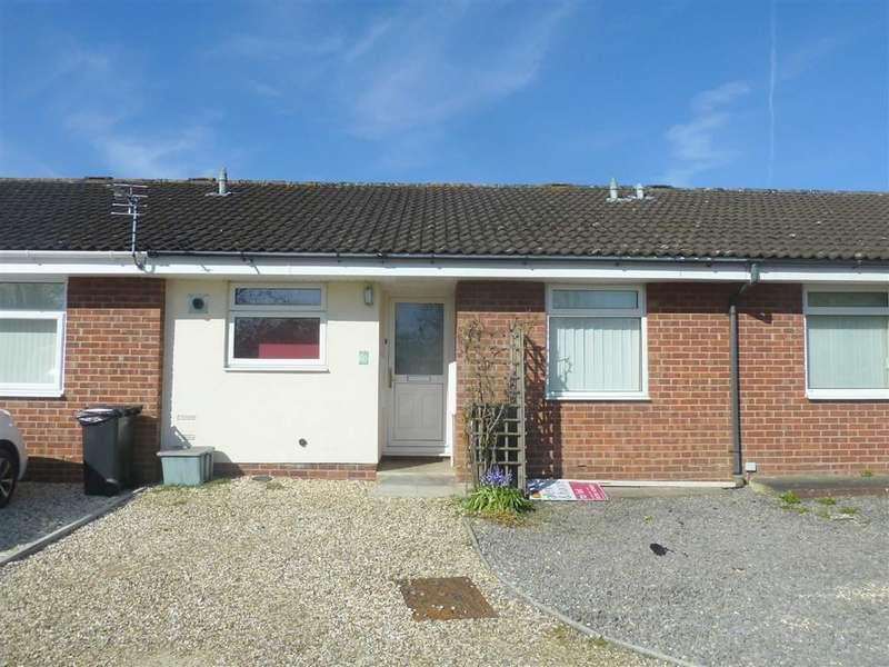 2 Bedrooms Semi Detached Bungalow for rent in Bellver, Swindon, Wiltshire