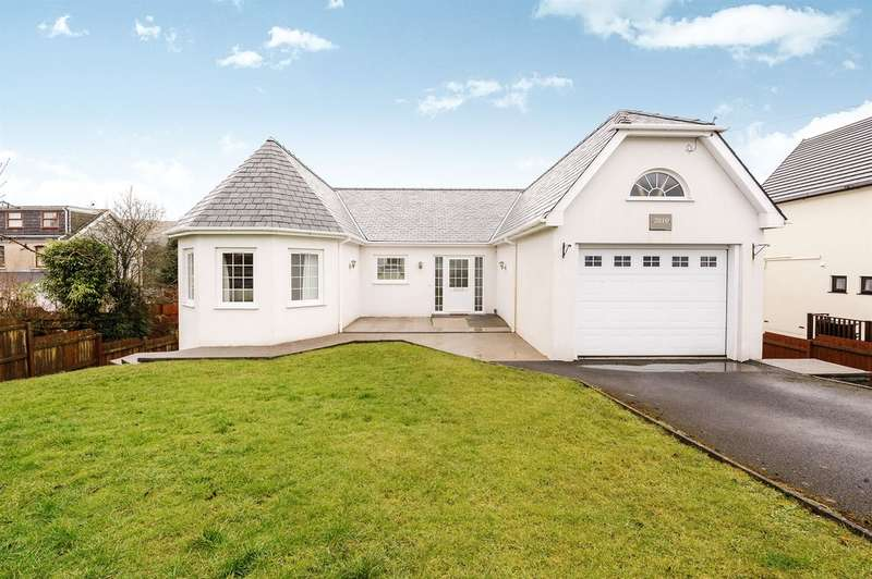 4 Bedrooms Detached House for sale in Walters Road, Cwmllynfell, Swansea