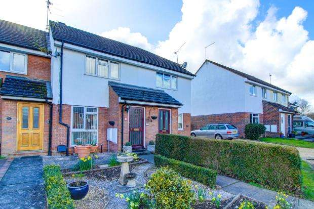 2 Bedrooms Terraced House for sale in Holybourne, Alton, Hampshire