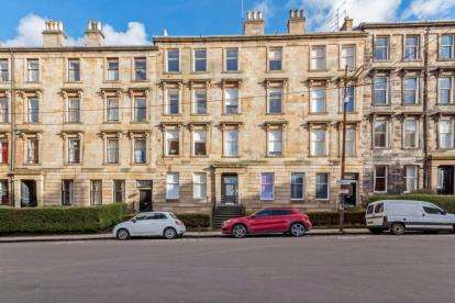 3 Bedrooms Flat for sale in Kersland Street, Hillhead