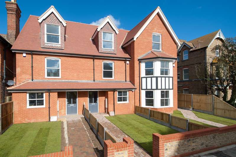 4 Bedrooms Town House for sale in Westgate Bay Avenue, Westgate-On-Sea