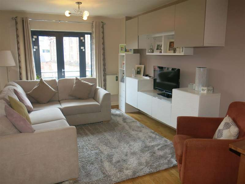 2 Bedrooms Apartment Flat for sale in Newhall Court, George Street, Birmingham