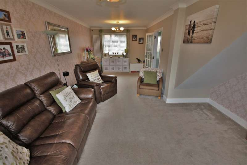 4 Bedrooms Detached House for rent in Ramshaw Drive, Chelmsford