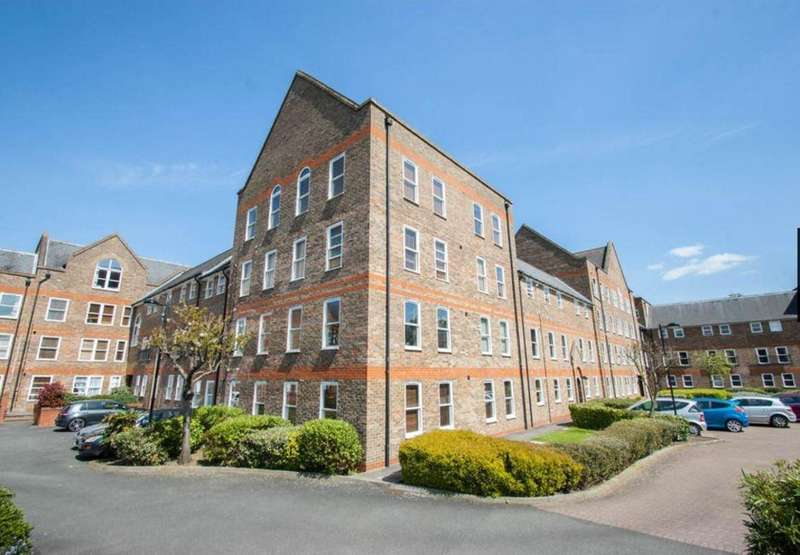 2 Bedrooms Flat for rent in Millacres, Station Road