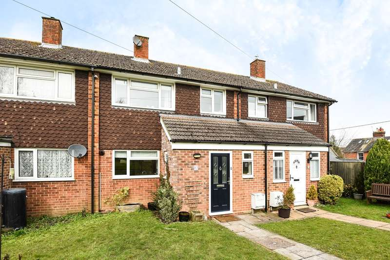 3 Bedrooms Terraced House for sale in Woodlands, Overton, Basingstoke, RG25