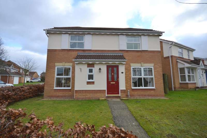 3 Bedrooms Detached House for sale in Radleigh Close, Sandringham Gardens, Northampton, NN4